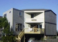 3 bedroom beach house in Caswell Beach/Oak Island