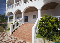 Villa Tranquila: Ocean View - Poolside - Walk Everywhere