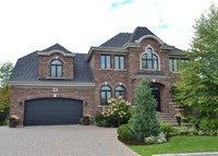 Very confortable large family house - 20 min from Mtl - heated pool