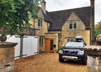 Lovely 4 Bed, 3 Bath Cotswold Stone Home, near Bourton On The Water.