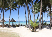 3 bedroom flat, with ocean view, right on Boracay's famous white beach