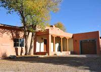 Architectural Gem in the Taos Historic District