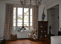 Large flat in central Paris
