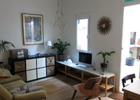 Cosy house with patio close to the beach.20min from downtown Barcelona