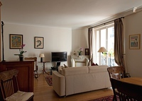 Beautiful large Apartment in exclusive residential Paris neighborhood
