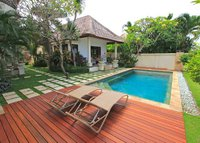 3 Bedroom Villa surrounded by rice paddies 400m from the surf beach