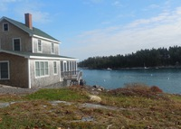 Beautiful 3 Bedroom Maine Oceanfront Cottage with Spectacular Views