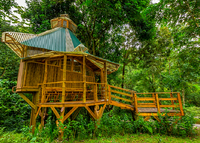 Stay in the Finca Bellavista treehouse community!