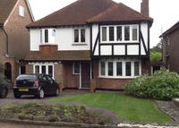 3 Bedroomed house with garden, within easy reach of Central London