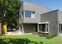 Contemporary 5 bedroom, 5 bath home in the Stellenbosch wine valley!