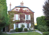 Spacious old house in Normandy, 240 sqm, near beaches, 2h from Paris