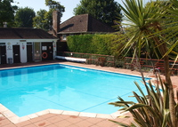 Stylish modern home, pool in cool seaside city near London. October?
