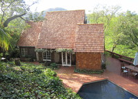 4BR/3BA Sunny Ross, Views, Pool, near trails & ALL Attractions