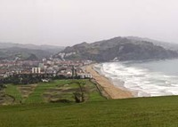 Flat near the beach and mountain in Zarautz