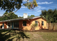 3-Bedroom Pool Home in Sunny South Florida, 10 minutes to Gulf beach!