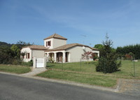 Villa in S.W. France with easy access to ocean, mountains and Spain