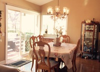 Warm, lovely home 3 miles to beaches, access to bike trails,pool