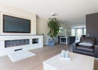 Luxury family home 15 mins from Schiphol and downtown Amsterdam by bus