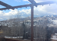 Cozy home that sleeps 6 minutes from 3 ski resorts!