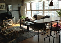 Korea- Comfy Large Apartment in Upscale Area.