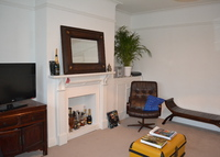 A 2 bedroom garden flat in London close to River Thames