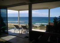 Beachfront apartment Coledale 1 hour from sydney