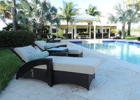 Stylish 2 Bedroom townhouse minutes walk from stunning Grace Bay Beach