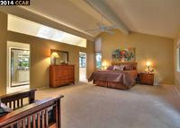 3 bed hm in the redwoods (30 mins) to San Fran. Swim,golf,tennis too!