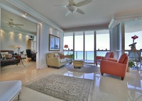 A+ Penthouse Sunny Isles Beach 250 MSq. 28 FL Penthouse on Miami Beach