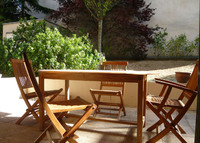 central paris 2 bed flat 75sqm with private outside space and parking