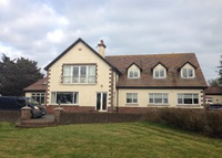 Large 5 bed detached home in beautiful thatched fishing village