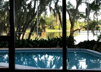 Orlando Lakefront home with pool, close to beaches & theme parks