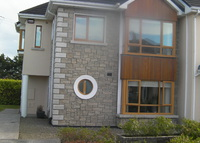 Comfortable, spacious and modern 3 bed 3 bath home in Galway City.