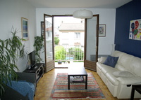 Agen. Comfortable house, very quiet area, 10 min walk to city centre.