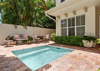 Private Pool Designer Townhome - 1.2 miles to beach - 3beds, 3.5baths