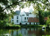 Familyhouse with garden, 15 min. to Rotterdam, 1 hour to A.dam.
