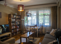 Cozy 2 bedroom apartment with small garden in the heart of Istanbul