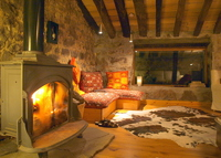 Charming huts in the mountains of Cantabria w fireplace for 2-8 people