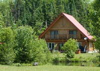 Log House with spa (lakefront)