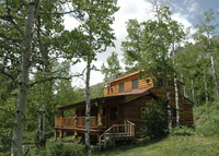 Beautiful Log Cabin overlooking lake and 13 miles to West Yellowstone