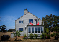 Modern Wine Country Home Between Napa & Sonoma Sleeps 4-6