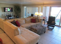 Condo on the beach, and tennis too! 3 bedrooms fully equiped