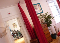 Fabulous 3 bdr cosy flat w balcony - French area - heart of Montreal