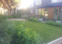 Renovated 4 bedroom cottage north of London