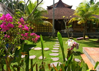 Charming 2 Bedroom cottage w/ pool- 5 min. walk to central Ubud