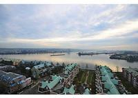 3 bedroom condo, 5 minutes walking from the skytrain line.