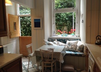 Lovely ground floor 2-bed Victorian flat, 5 mins walk to all amenities