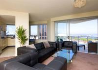 Spacious, quiet 2 bedroom apartment in the heart of Sydney with views.