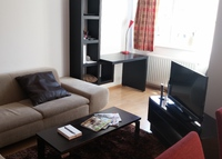 Bright apartment with modern furnitures, 10 minutes from city center