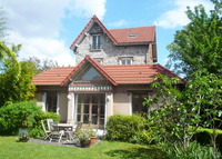 4 bedrooms 19th's house in the garden 30 minutes to Paris center